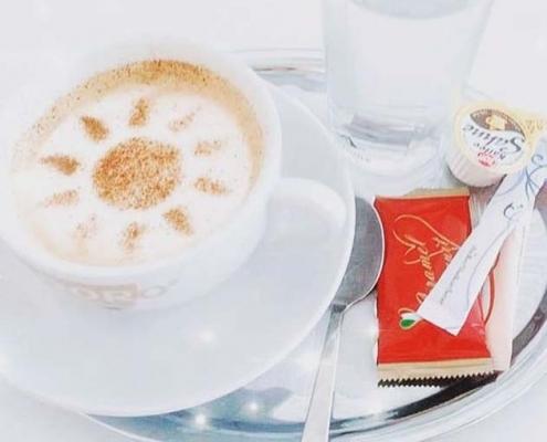 Kaffee-Braun